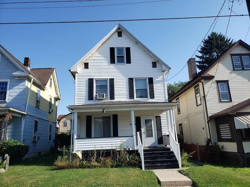 132  Goldwood Ave